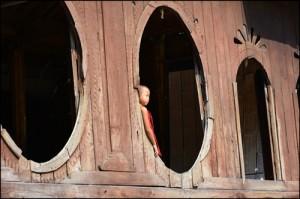 13 Dawniej w Birmie nie było świeckich szkół